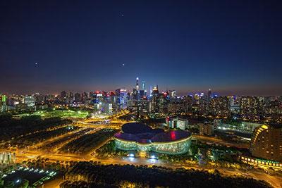 上海东方艺术中心<br /> 12 钢化 +1.52SGP+0.5+ 金属片 +1.52SGP+15 钢化